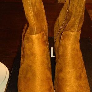 Naturalizer Rebecca Brandy Boot Size 8 Wide